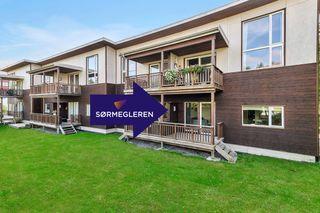 Vågsbygd - Lys og pen 3-roms andelsleilighet med terrasse og garasje