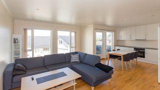 Pen leilighet med 3 soverom. Sentralt på toppen av Oftebro. Beliggende i 2. etg. i bygget.