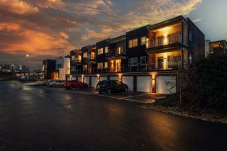 Lekker 2-roms selveier fra 2018 i høy 1.etg - Solrik terrasse og utsikt - Heis og garasjeplass til to biler!