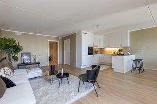 Lekker splitter ny leilighet - Smart planløsning, to uteplasser  for morgen og ettermiddagssol, parkering i p- kjeller