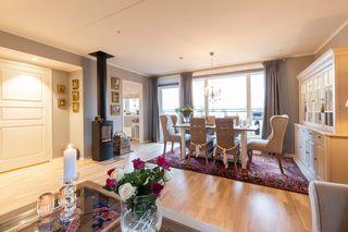 Påkostet toppleilighet i Buerhaven - Flott bolig der du kan bo enkelt og moderne med heis, garasje og stor balkong