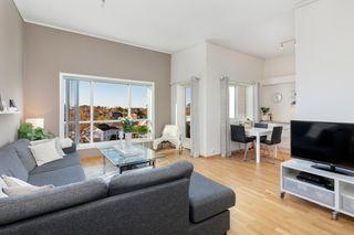 Lys og moderne lekker 3-roms selveierleilighet m/ terrasse og carport - Ingen gjenboere - Flytt rett inn!