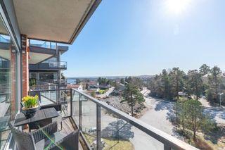 Tinnheia Terrasse-Stor og flott 4-roms med stor solrik  terrasse med sjøutsikt - Heis og p-plass i kjeller.