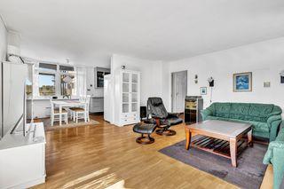 Solåsen - Andelsleilighet med 2 soverom. Heis. Innglasset, solrik veranda. Garasje