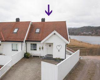 Justnes - Meget innholdsrik del av 4 mannsbolig med 3 soverom, 2 stuer og 2 bad.- Garasje i rekke-Barnevennlig-Solrikt!