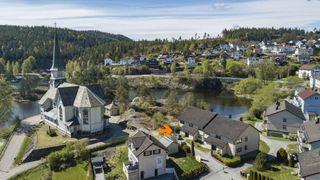 Pen selveierleilighet med lave fellesutgifter og sentral beliggenhet på Skotfoss.