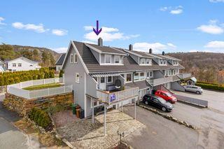 Strai/ Gangdalen - Pent enderekkehus med solrik og barnevennlig beliggenhet. 2 bad og 4 soverom - Garasje
