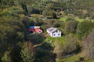 Renoveringsobjekt med tomt på ca. 257 mål - idyllisk landlig beliggenhet