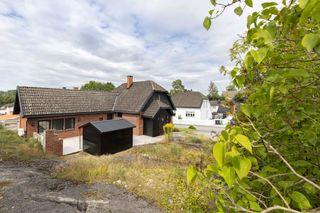 Teglsteinshus på solrik tomt i barnevennlig og trivelig boligområde.