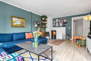 Pen 3 roms leilighet med hyggelig uteplass og garasje. Ta kontakt med megler for visning