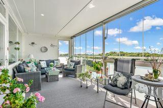 NY PRIS! Fire-roms andelsleilighet - innglasset veranda - garasjeplass - gode solforhold - utvidet bad/vaskerom