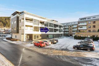 Påmeldingsvisning Ons 27/1 kl.16.30-17.30 Leilighet i Wiig-gården med inneglasset balkong, heis og parkeringskjeller.