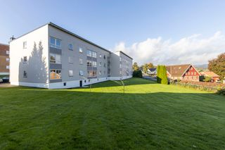 Praktisk leilighet med sentrumsnær beliggenhet - Sentralfyring og varmtvann i felleskostnader - Nyere bad - 2 soverom