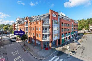 Flott og nyere 2-roms eierleilighet helt på toppen av Markens. Heis og veranda. Selges fullt møblert!