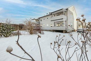 3-roms leilighet i 2. etasje sentralt på Gimsøy. Kort vei til Herkules, buss, skole m.m.