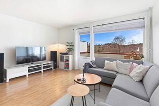 Lys og fin 2-roms leilighet med solrik balkong-5 etg.-Heis-Bod-Sentralt.