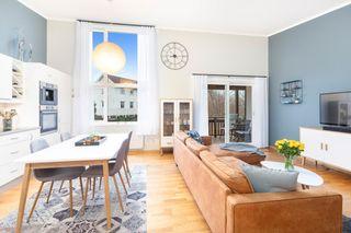 Flott gjennomgående 3-roms endeleilighet med garasje-Heis-Balkong-Gode solforhold