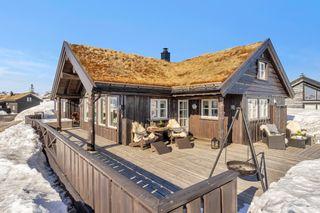 Lekker hytte på Ljoslands tak | Slående utsikt | 2 stuer | 2 bad | 4 soverom | Kontakt megler for visning