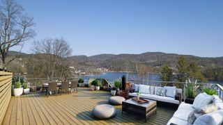 Velkommen til Muleåsen! 6 moderne boliger med takterrasse. Flott utsikt, nærhet til sjøen og nydelige solforhold.