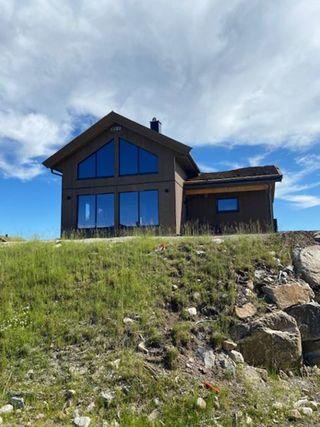 Lekker nyoppført hytte med utsikt, god planløsning og gode solforhold!  Rett ved skiløypa og alpinbakken