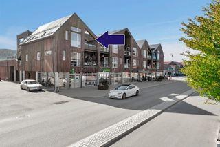 Nyere toppleilighet fra 2014 i Evje sentrum - Garasjeplass - Heis