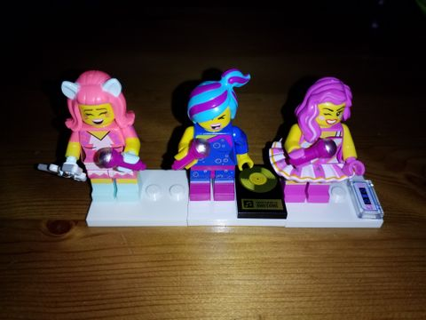 ee92e464 LEGO Minifigurer - Sangere, TLM2