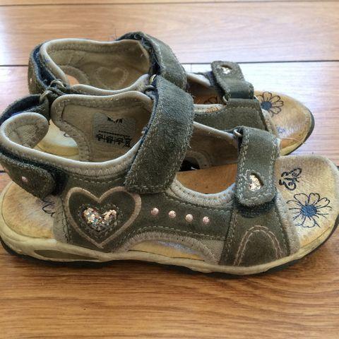 53612c7412a9 Viking joggesko goretex str 24. Skofus sandaler