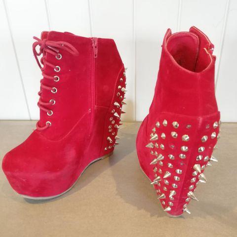 7e115602 med i nagler tøffe brukt 40 1 gang sorte sko str med Sorte kilhæl 0x4IT1Iq