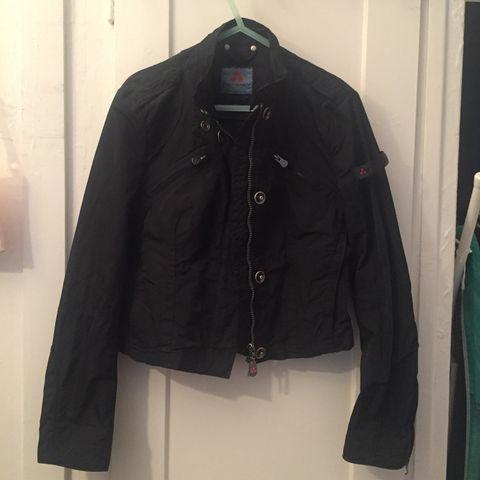 72e17d4a Svart jakke fra Peuterey til salgs