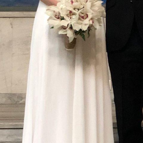 8964e8c2 NYHET 2019-LEKKER INDEPENDENT KJOLE SOM AVBILDET STR 36-38 - GRATIS PORTO ·  Hvit lang kjole