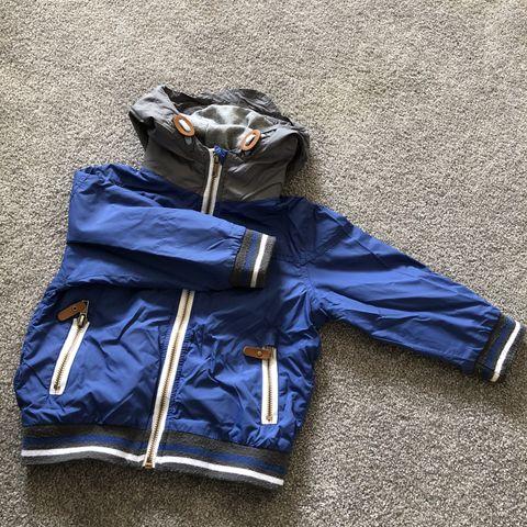 d6170777 Lett og myk kjempefin Jersey jakke, fin å ta over på en litt kjølig  sommerdag