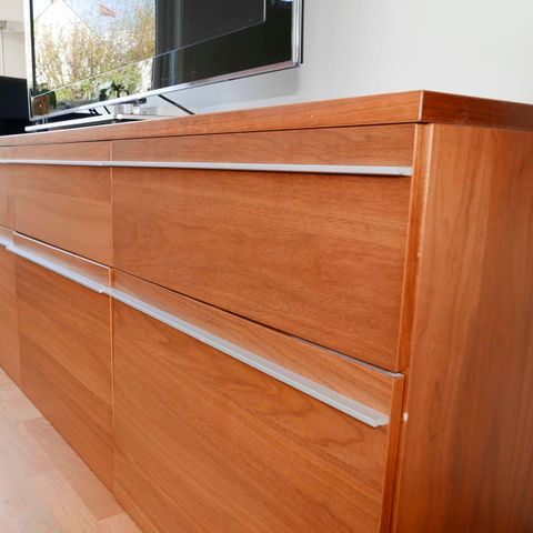 Alvorlig Retro TV-benk. To skapdører og hyller. Fra Skeidar | FINN.no AX-37