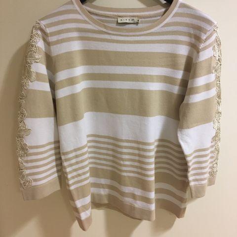 907c8136 Topp/bluse, svart og grå mønstret, str.36 (Micha) | FINN.no