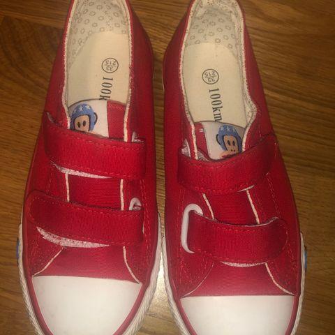 7ac1485fb103 Som ny brukt 1 gang! Kule røde sko med borrelås str 33. Kun