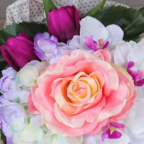 53ded01ac Kunstige blomster/roser selges(rosa og oransje)...Gi bud!!   FINN.no