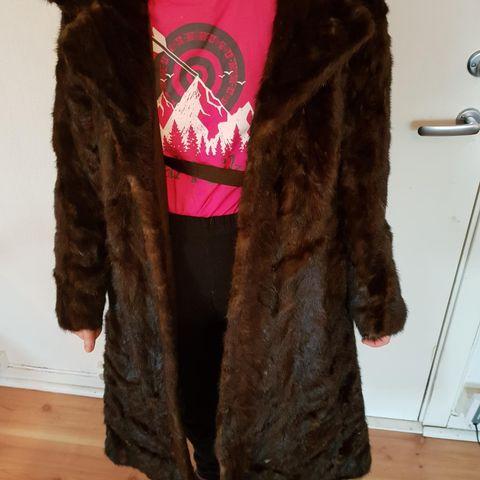 ebb49c9c Lekker jakke i svart kanin og vaskebjørn pels selges | FINN.no