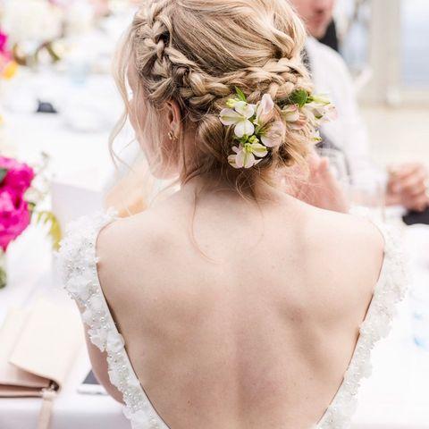 30afd988 Gravid brud? Nydelig og komfortabel brudekjole selges. | FINN.no