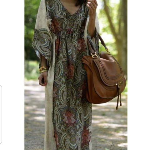 a3571376 Mørkeblå pen kjole t bryllup eller fest fra Stylein | FINN.no
