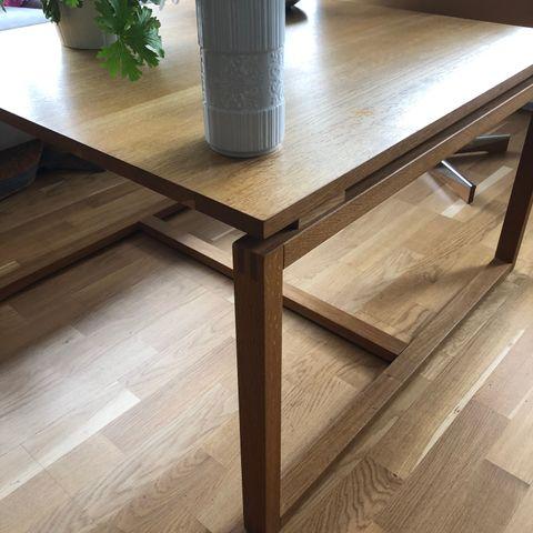 Lite brukt spisebord selges billig | FINN.no