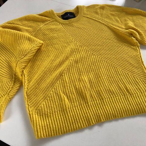 Flott gul genser til dame str. M   FINN.no
