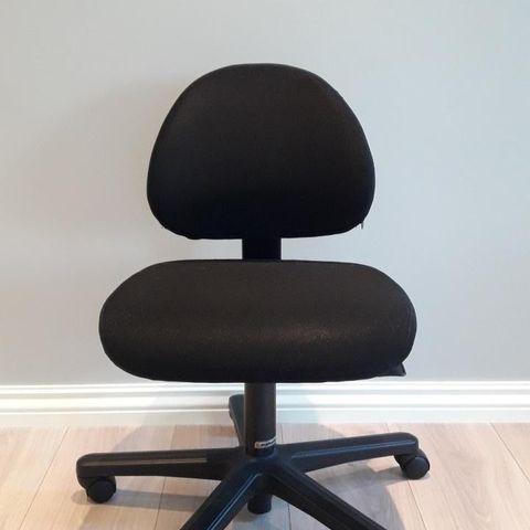Kontorstol DUNDEE, svart, høy rygg | AJ Produkter