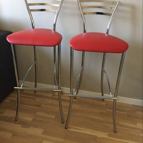 2 fine IKEA bar stoler kr.100 stk og en lenestol 200 m beige