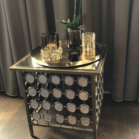 Anouska bord i gull   FINN.no