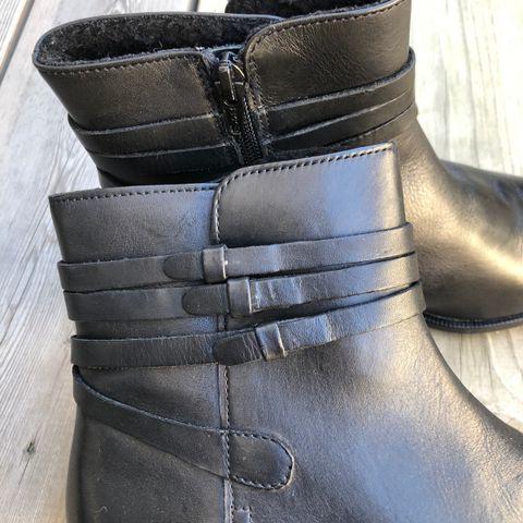 Ecco støvletter i ekte skinn, foret og vanntette! | FINN.no