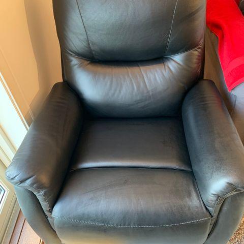 2 stk. Hellegjerde Motorisert Relaxer stol | FINN.no