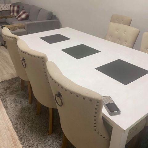 New Delgado hvitt høyglans spisebord med 8 stoler   FINN.no