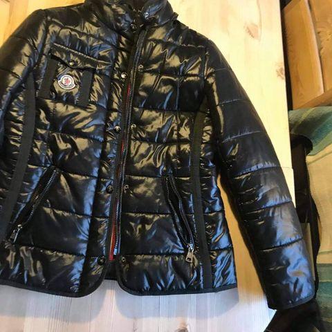 Moncler Tati jakke med belte | FINN.no