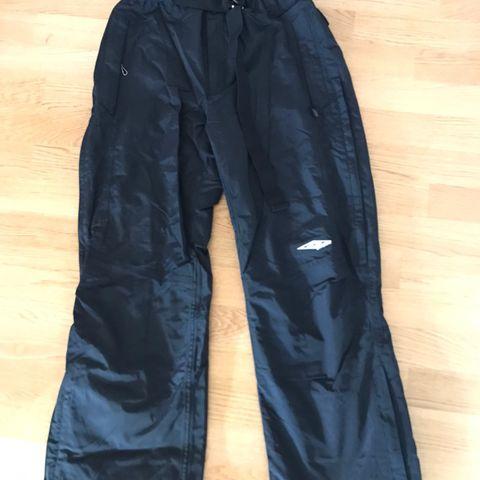 Ubrukt skibuksevattert bukse, damejente McKINLEY | FINN.no