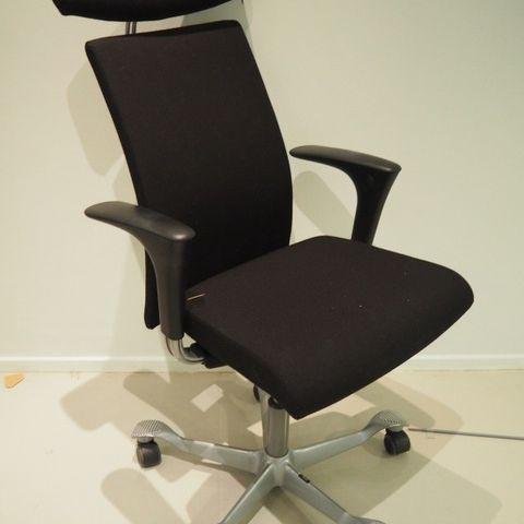 Ergonomisk, ryggvennlig kontorstol fraSpinalis, modell