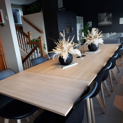 3 meter massivt Eike bord i 1 stav eik plank. | FINN.no